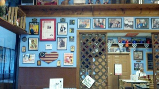 Dots Restaurant: inside