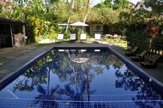 Pousada da Marquesa: Swimming pool and resting area