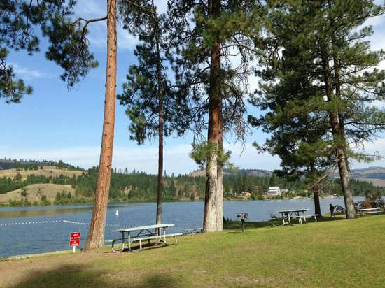 Republic, WA: Beach, Swimming & Picnic Area-Curlew Lake Washington State Park