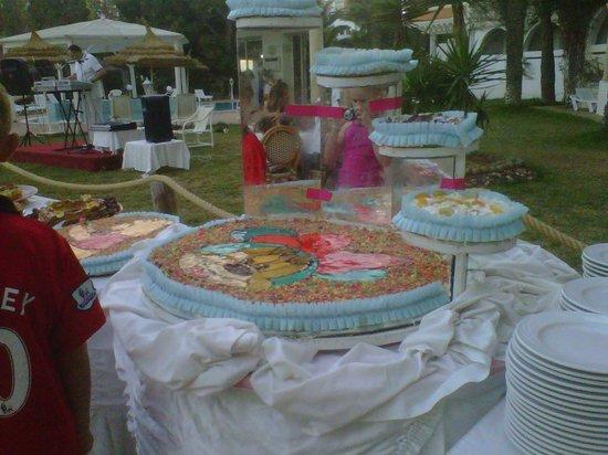 Marhaba Royal Salem: Unbelievable buffet final night