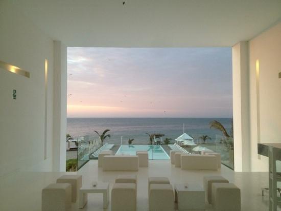 Mancora Marina Hotel: vista maravillosa al atardecer en MMH