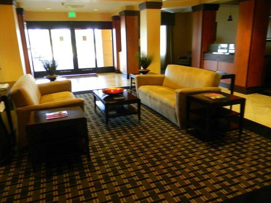 Comfort Suites Vero Beach: Lobby
