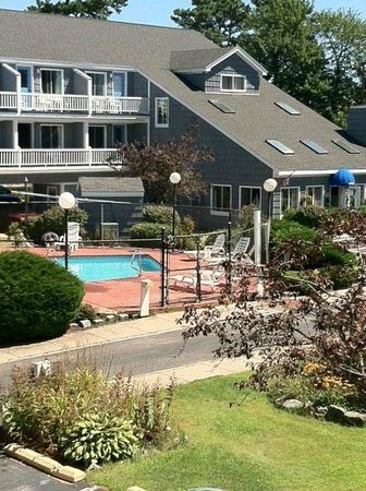 The Grand Beach Inn : Hotel and Pool