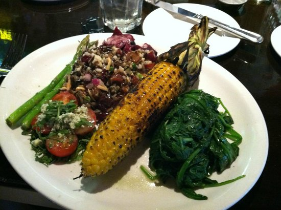 Jackson's Mighty Fine Food & Lucky Lounge: Vegetable platter- appetizer or meal, incredible!