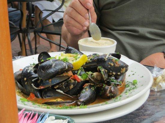 Frills: Mussels