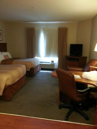Candlewood Suites: Double ground floor