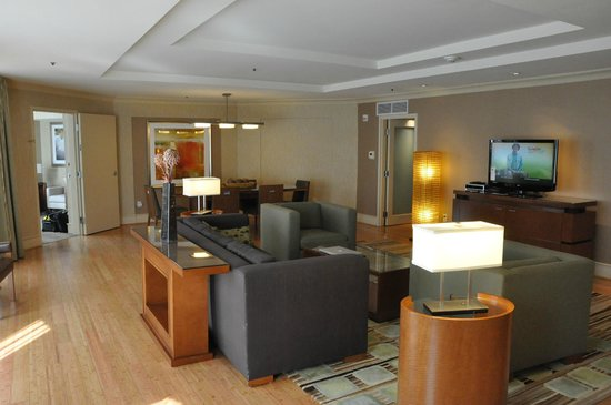 The Westin Georgetown, Washington D.C. : Suite Living Room and Dining Room