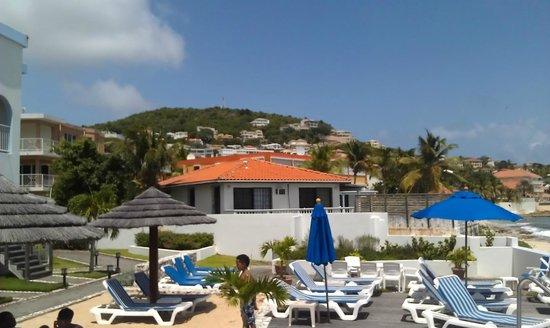 La Vista Resort: Lower pool deck