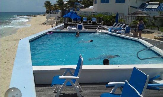 La Vista Resort: Beach pool