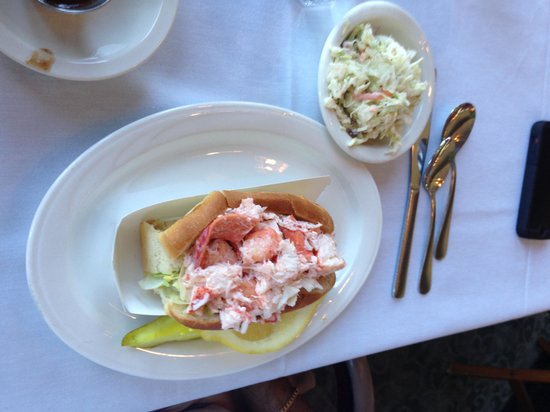 DiMillo's Old Port Marina : lobster roll