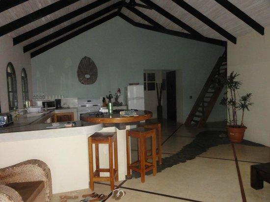 Casa MarBella: The kitchen/living area