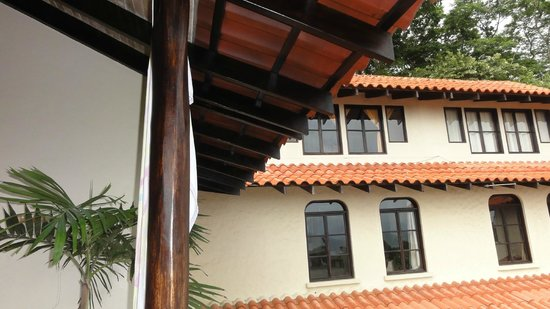 Casa MarBella: view of the third story bedroom from the outside