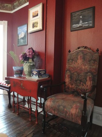 Woodruff House Bed & Breakfast: Reading room