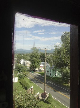 Woodruff House Bed & Breakfast: view from suite