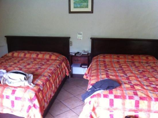 Arenal Volcano Inn : rooms