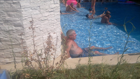 Supreme Hotel Marmaris : Lovely pool with a ledge to lie in.