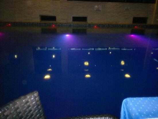 Supreme Hotel Marmaris : Pool at night.
