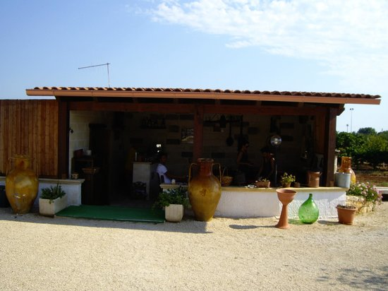 Colazione foto di il giardino degli ulivi carovigno - Il giardino degli esperidi ...