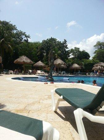 Hotel Riu Lupita: zwembad