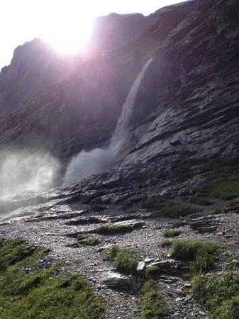 Grindelwald, Suiza: Another waterfall