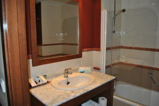 Hotel Oriente: baño
