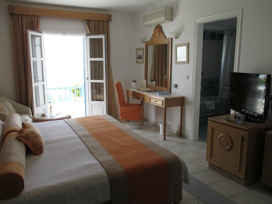 Royal Myconian Resort & Thalasso Spa Center: Standard Room
