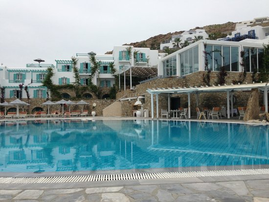 Royal Myconian Resort & Thalasso Spa Center: Another pool shot