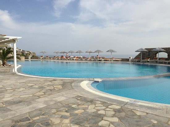 Royal Myconian Resort & Thalasso Spa Center: Pool View