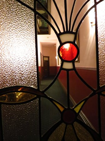 Palace Hotel Port Townsend: Neat decorative door