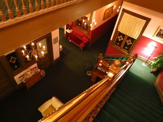 Palace Hotel Port Townsend: View from 3rd to 2nd floor
