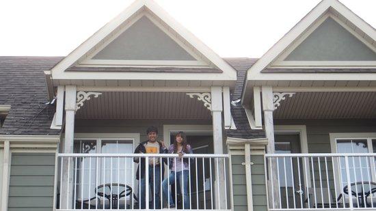 Village Inn of Lakefield: Nuestra habitación con balcón