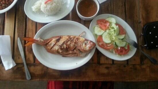 Benjamin Fresh Seafood by Sosua La Playa: fresh fish caught daily...yummi...this place has bern.the best food I have had so far between Ca