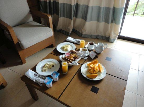 Melia Buenavista: Breakfast room service style