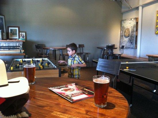 Santa Fe Brewing Company: Upstairs ping pong fun