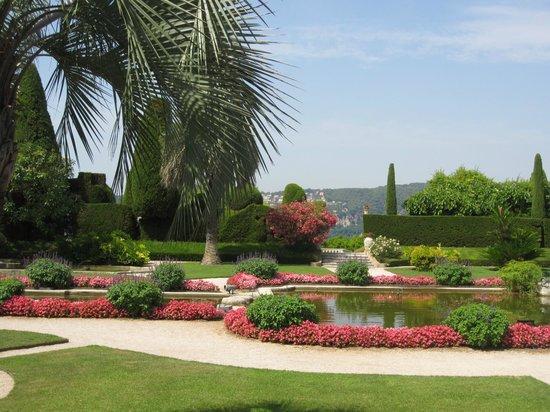 A room in the villa picture of villa jardins ephrussi for Villa jardins ephrussi de rothschild