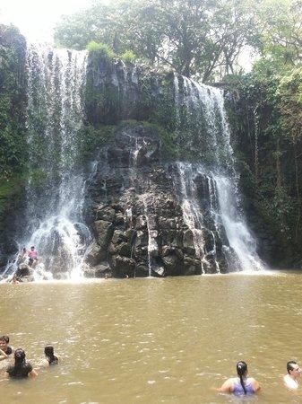 Santa Cruz de Yojoa, Honduras: Waterfall