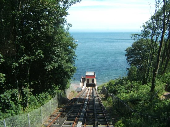 The Downs, Babbacombe: Railway from Beach