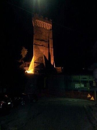 Torre Triangolare di Montegualtieri
