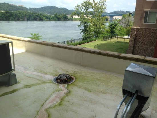 SpringHill Suites Chattanooga Downtown/Cameron Harbor: Not the best river view room. But they did allow us to change.