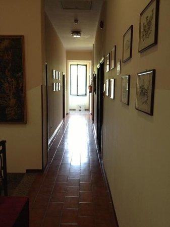 Park Hotel Salice Terme: Der Gang zu den Zimmern