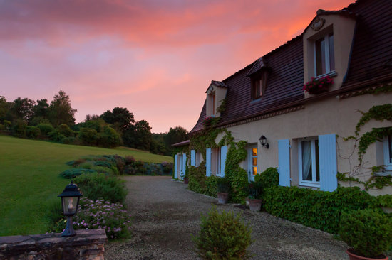 Le Clos Lascazes : Beautiful sunset on our rooms