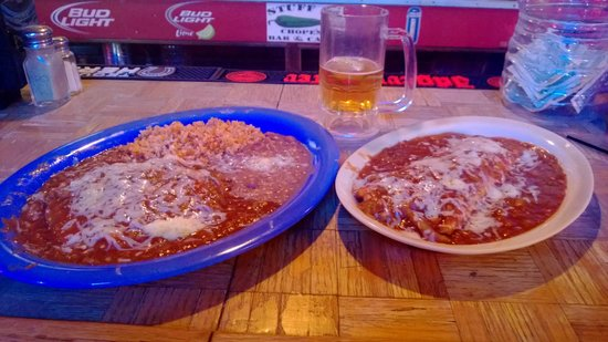 Chope's Bar and Cafe: Enchiladas and Relleno Burrito