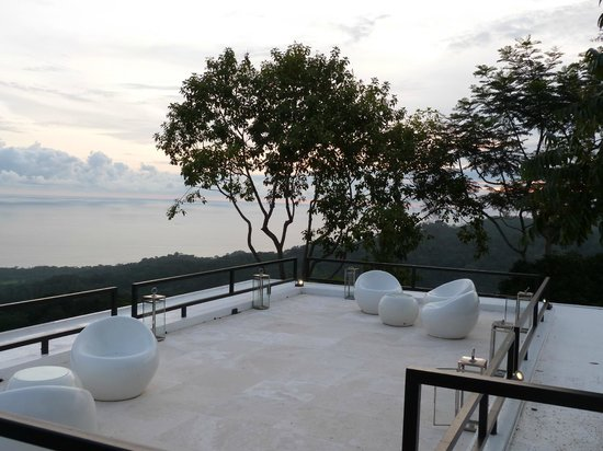 Kura Design Villas Uvita: roof deck