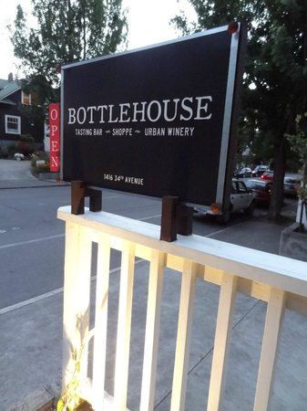 Bottlehouse: the sign
