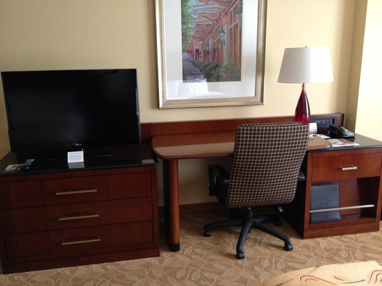 Macon Marriott City Center : Work Desk