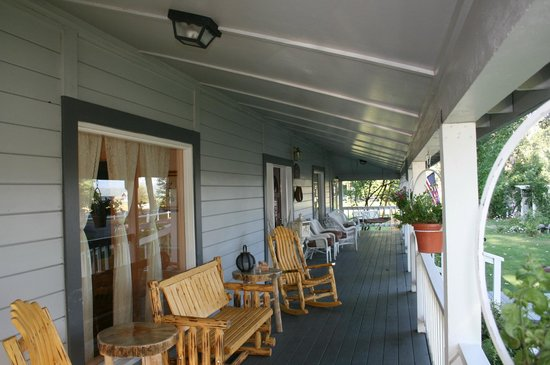 The Bidwell House B&B Inn: A nice place to watch the world go by
