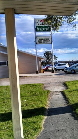 Sunset Lodge Escanaba : Distance to Family Restaurant Next Door