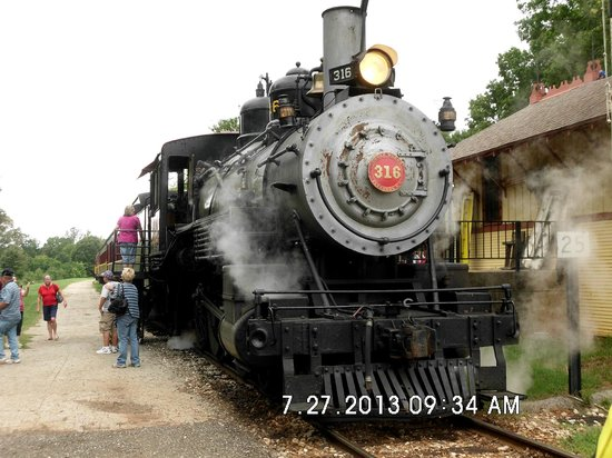 Rusk, TX: Train engine getting ready to pull out of the Palestine station