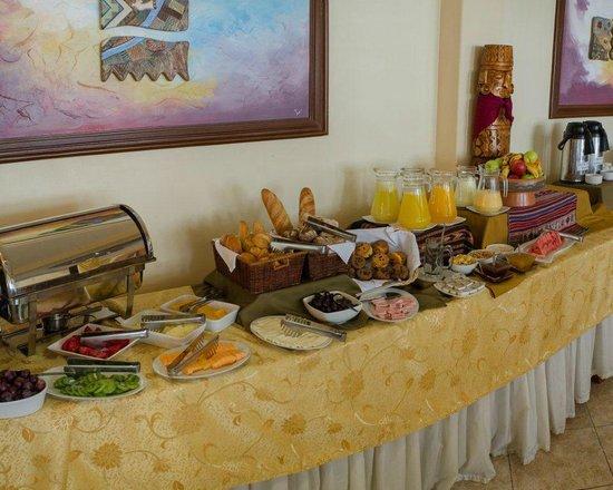 Taypikala Hotel Machupicchu: desayuno buffet