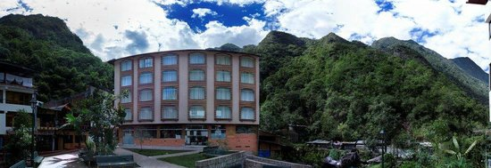 Taypikala Hotel Machupicchu: fachada de dia